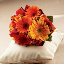 W45-4736 Le Bouquet FTD® Sunglow™