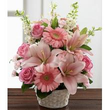 S17-4989 Arrangement floral - Whispering Love™